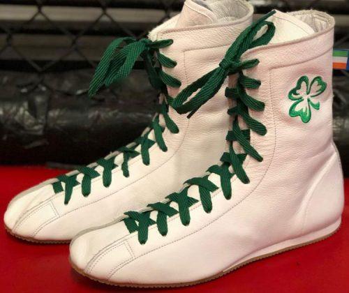 Minotaur White & green boxing boot shamrock on the left boot